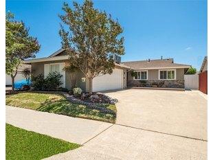 <div>4608 Ironwood Ave</div><div>Seal Beach, California 90740</div>