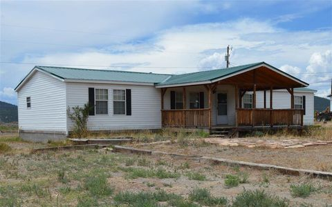 Photo of 8 Mountain View Rd, Questa, NM 87556