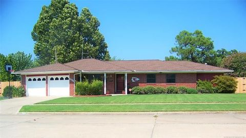 Photo of 1534 Red Bud Ln, McAlester, OK 74501