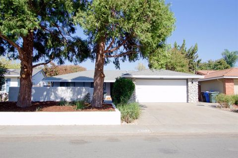 8657 Fallbrook Way Sacramento CA 95826