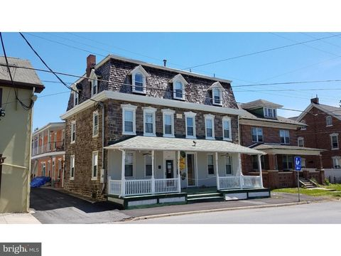 Photo of 401 Main St, Oley, PA 19547