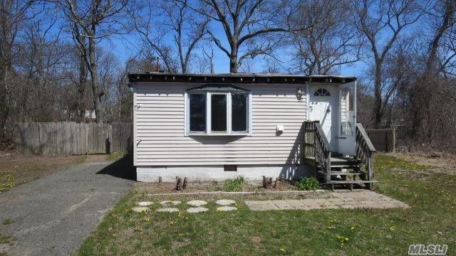 22 Patchogue Ave Mastic, NY 11950 Property Record