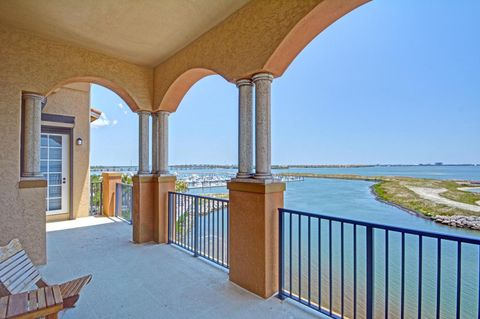 20 Orange Ave Apt Ph 8, Fort Pierce, FL 34950