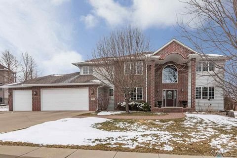 Sioux Falls, SD Homes with special features