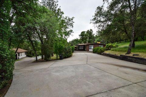 40538 Hidden Creek Ln, Oakhurst, CA 93644