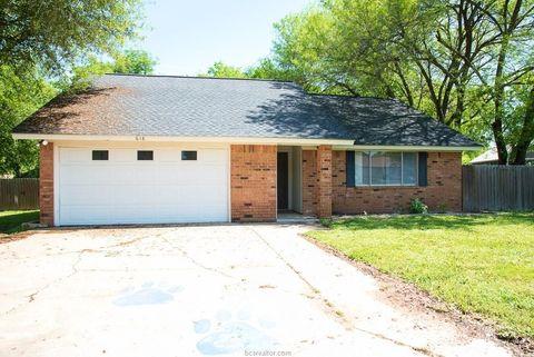 Photo of 618 Jackson St, Rockdale, TX 76567