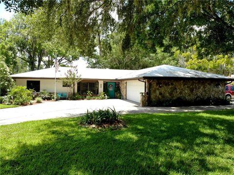 Photo of 624 Crystal Lake Rd, Lutz, FL 33548
