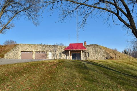 13483 County Road 12, Middlebury, IN 46540