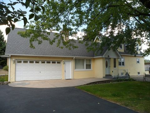 5317 S Madison Ave, Countryside, IL 60525