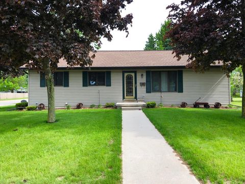 Photo of 2346 38th St, Two Rivers, WI 54241