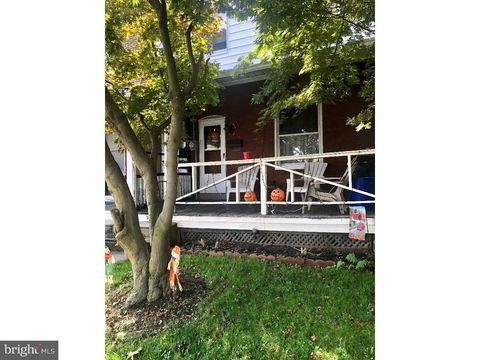 Photo of 304 Edmonds Ave, Drexel Hill, PA 19026