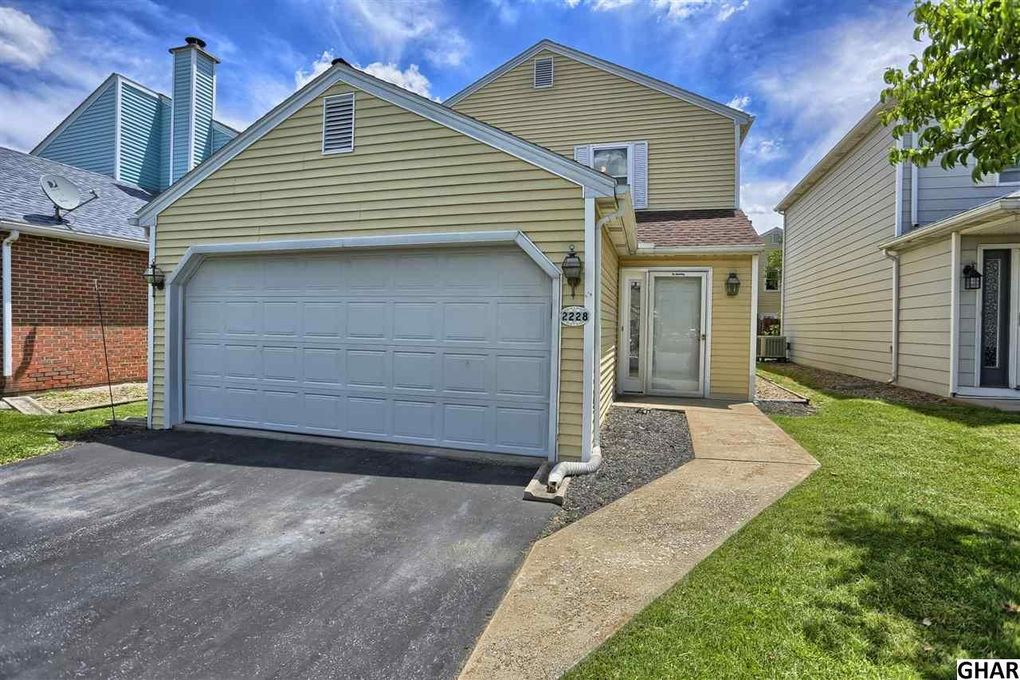 2228 Buttonwood Cir, Harrisburg, PA 17110