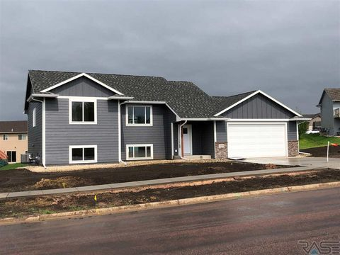 Photo of 3008 E Madison St, Sioux Falls, SD 57103