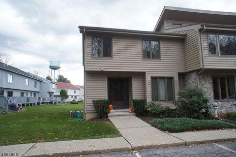 215 Cherokee Rd, Andover, NJ 07860