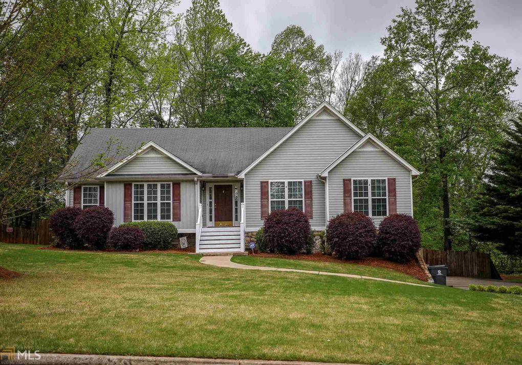 30 Silver Oak Ter, Dallas, GA 30157