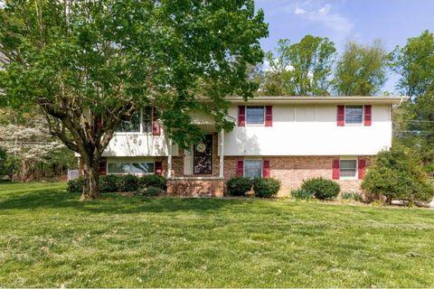 Photo of 618 Seven Oaks Dr, Mount Carmel, TN 37645