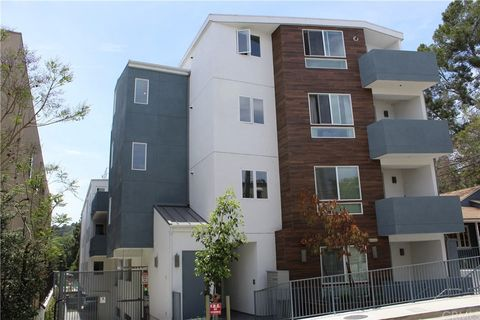 Photo Of 11912 Laurelwood Dr Unit 201 Studio City Ca 91604 Condo Townhome For Rent