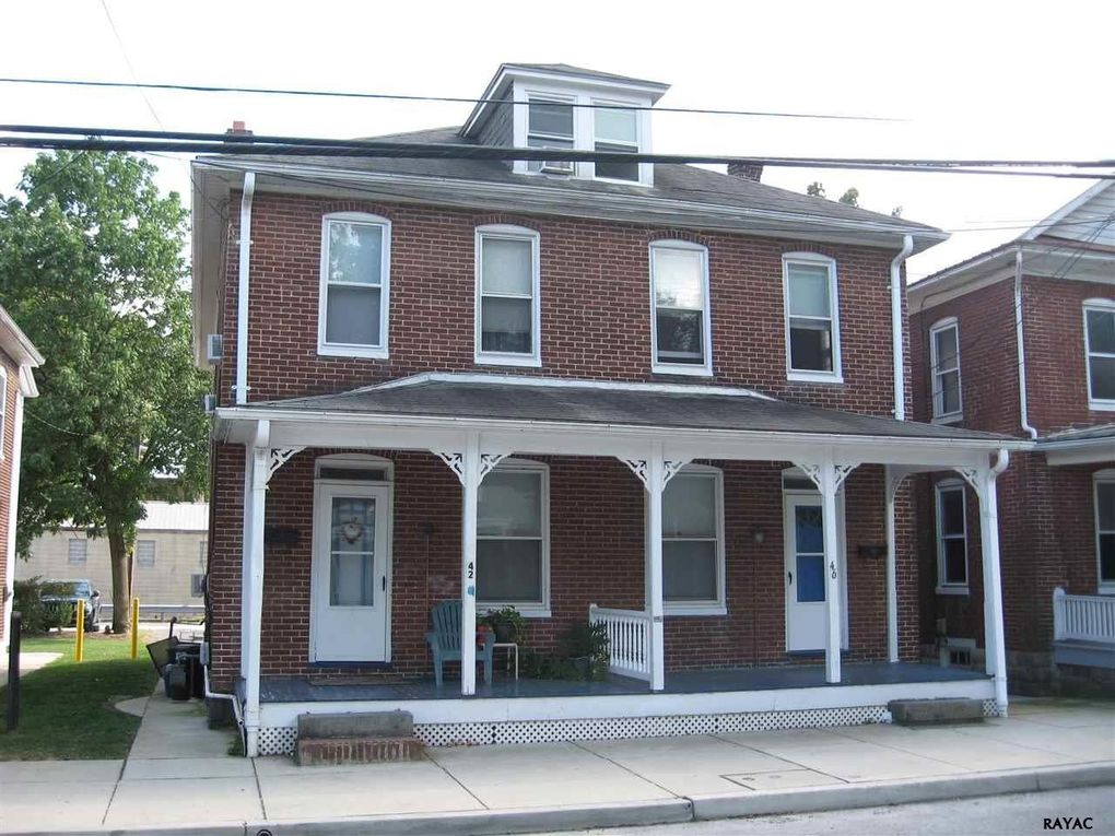 42 46 W Water St Gettysburg Pa 17325 Realtor Com 174