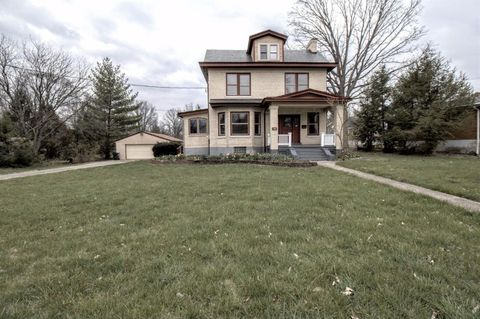 67 W Sharon Rd, Glendale, OH 45246