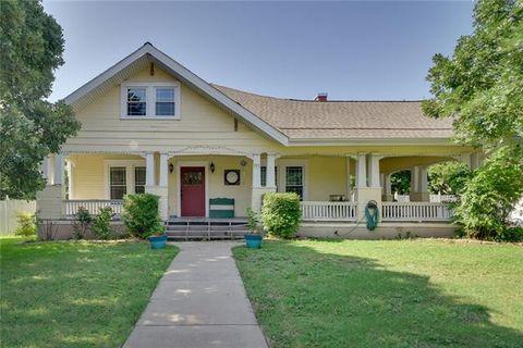 Photo of 209 E Davis Ave, Alvarado, TX 76009