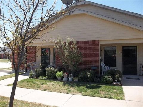 318 Bluffview Dr, Brownwood, TX 76801