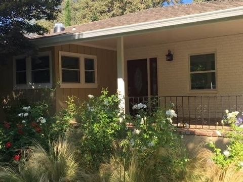 1359 Country Club Dr, Los Altos, CA 94024