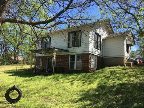 Photo of 1600 S W St, Fort Smith, AR 72901