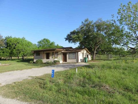 Photo of 207 Beach Dr, Sunrise Beach, TX 78643