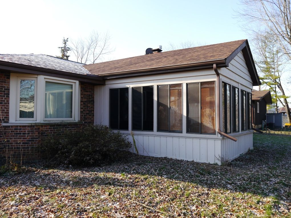 8902 Butterfield Ln, Orland Park, IL 60462