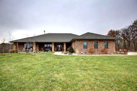 14717 N 740 East Rd, Oakwood, IL 61858