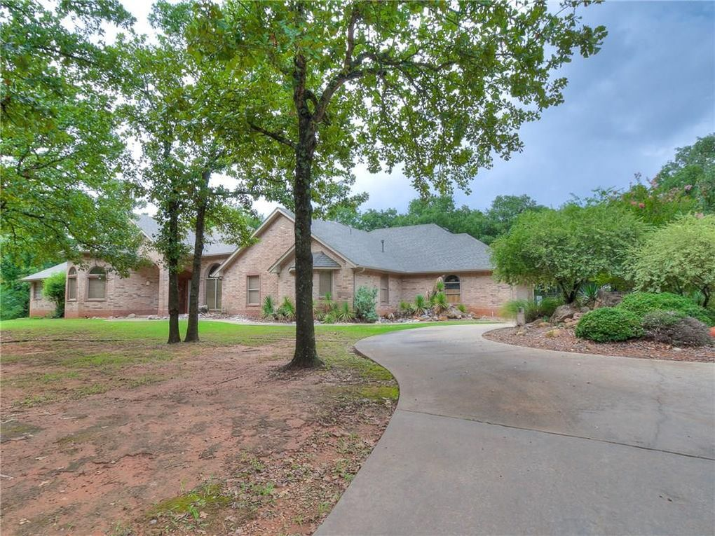 5815 Hickory Bend Dr, Norman, OK 73026