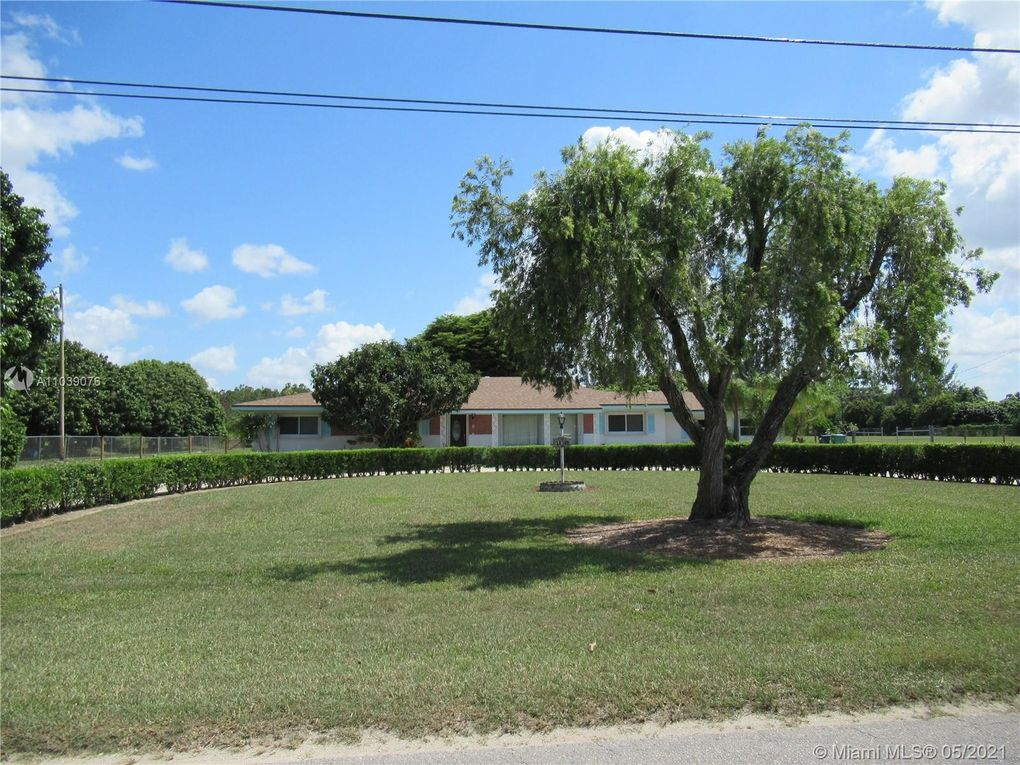 18300 SW 264th St Homestead, FL 33031