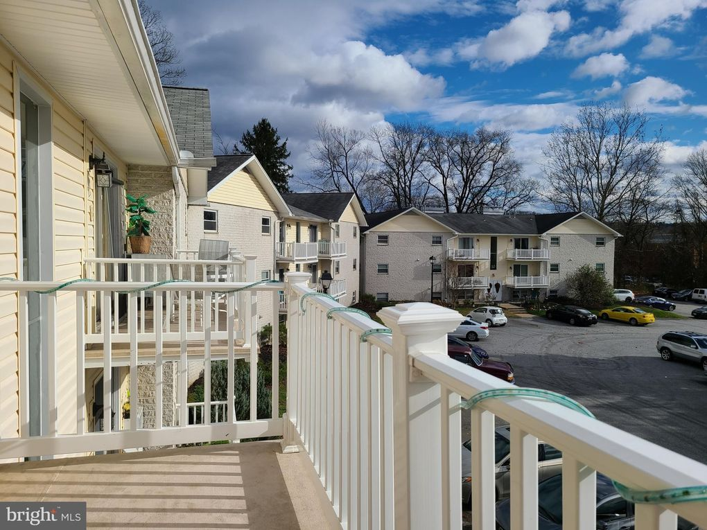 12 Warren Lodge Ct Apt 2A Cockeysville, MD 21030