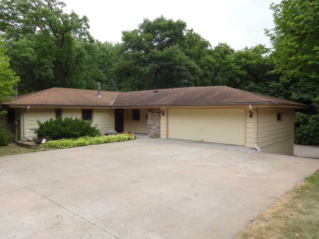 8131 62nd Ave N New Hope, MN 55428