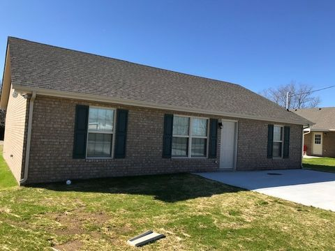 Photo of 395 Hendrixson Dr, Manchester, TN 37355