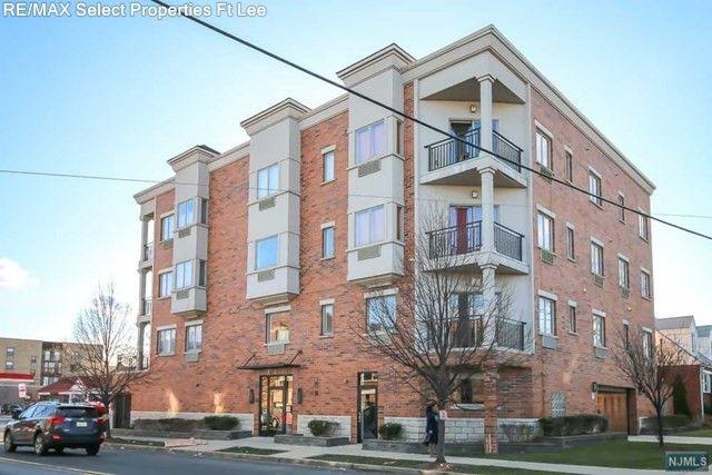 93 Palisade Ave Apt 2 C Cliffside Park NJ 07010