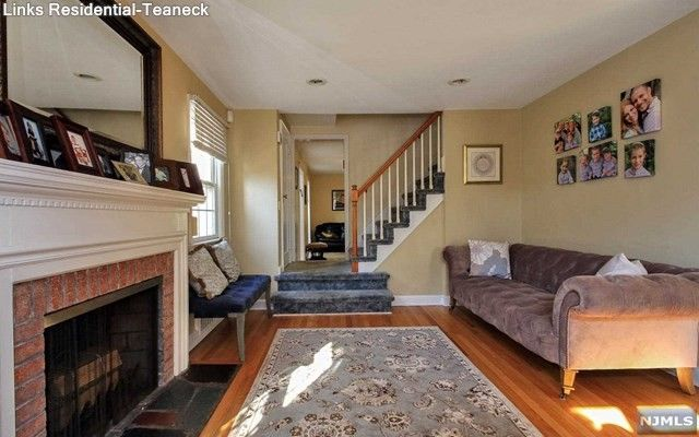 114 Highgate Ter, Bergenfield, NJ 07621