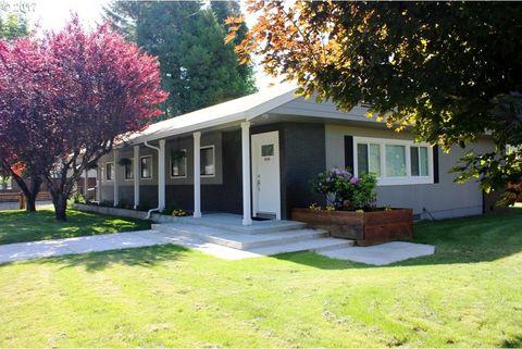 48260 Hills St, Oakridge, OR 97463