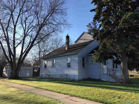 Photo of 3112 S Phillips Ave, Sioux Falls, SD 57105