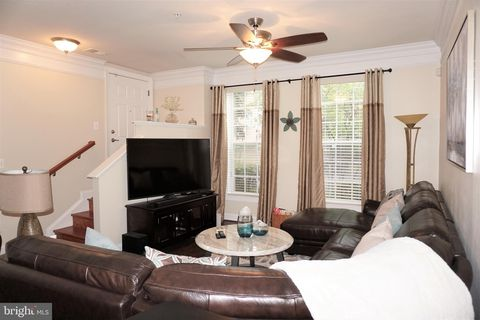 Photo of 2137 Abbottsbury Way, Woodbridge, VA 22191