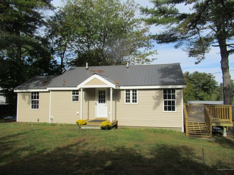 Photo of 127 Meadow Rd, Raymond, ME 04071