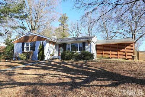 1221 Pineview Dr, Raleigh, NC 27606