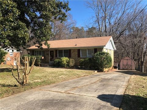 Photo of 2405 New Orleans St, Greensboro, NC 27406