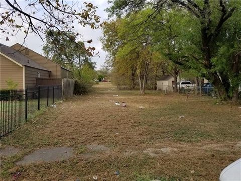 2018 Houston St  Grand Prairie  TX 75050. Grand Prairie  TX Real Estate   Grand Prairie Homes for Sale
