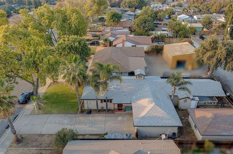 Photo of 300 S 7th St, Patterson, CA 95363