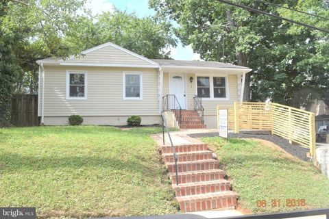 Photo of 516 70th Pl, Capitol Heights, MD 20743
