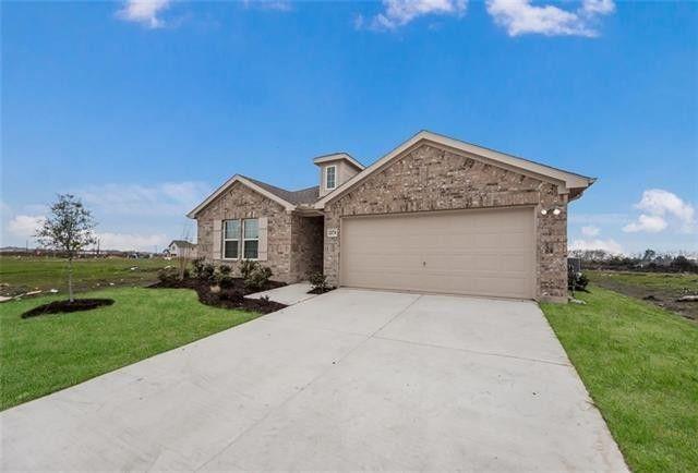 2274 Templin Ave, Forney, TX 75126