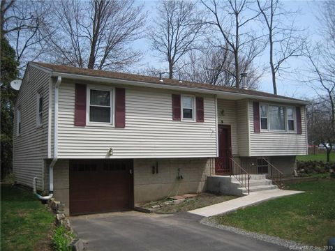 Photo of 3 Fay St, West Haven, CT 06516