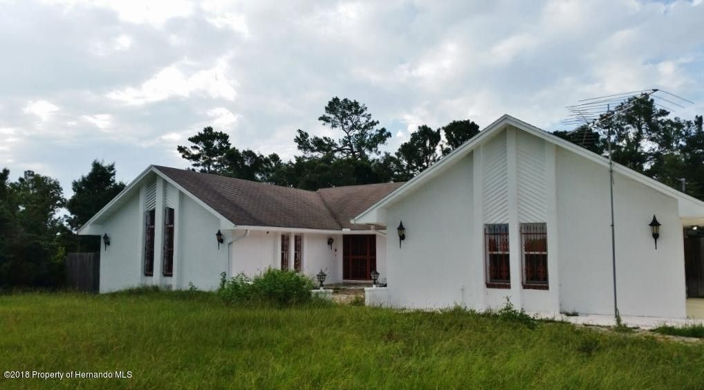 13087 Drayton Dr, Spring Hill, FL 34609
