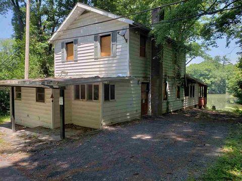 124 Sawmill Rd, Lake Katrine, NY 12449